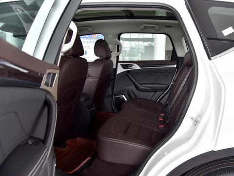 中型SUV低价大尺寸,2.0T动力7.7L油耗配自动挡,带你看哈弗H7