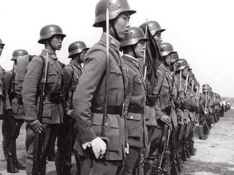 37年淞沪会战日军有飞机,有重榴弹炮,为何不直接炸掉四行仓库?