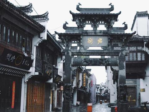 """安徽低调的千年古街,人称""""流动的清明上河图"""",让游客流连忘返"""