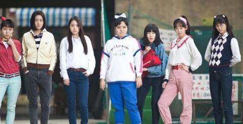 国产《阳光姐妹淘》上映,网友却关注导演是谁,他的片子能看吗?