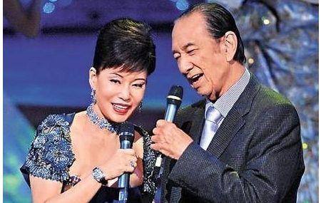 陈婉珍陪伴何鸿燊多年,一直低调隐忍,在争产中处于下风