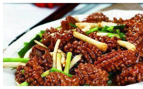 美食推荐:玉米蒸排骨、糖醋鲤鱼、炒肥肠、香葱爆腰花的做法