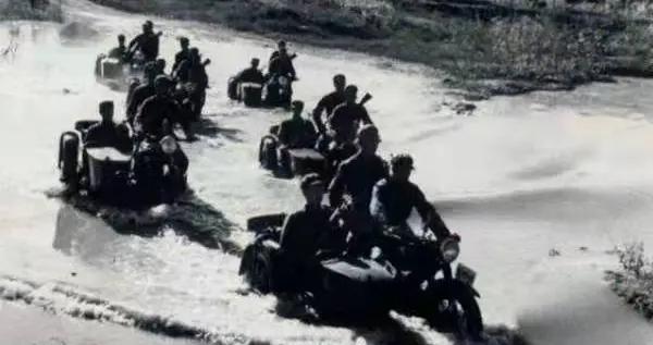 军史上的今天:6月16日|毛泽东检阅大比武成果,充分肯定人民解放军进行的大练兵运动