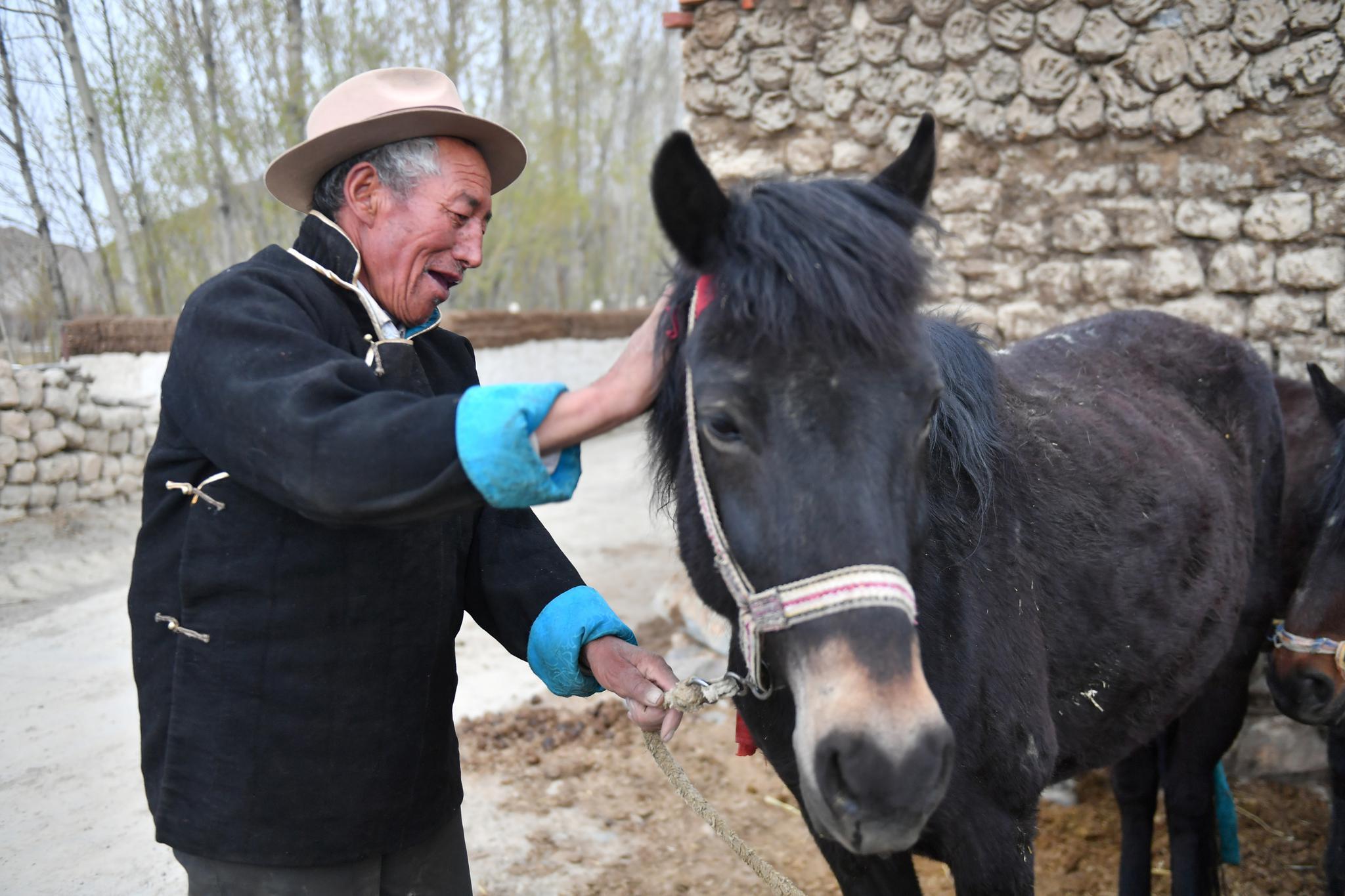 苦难和新生——西藏翻身农奴影像档案:多布杰