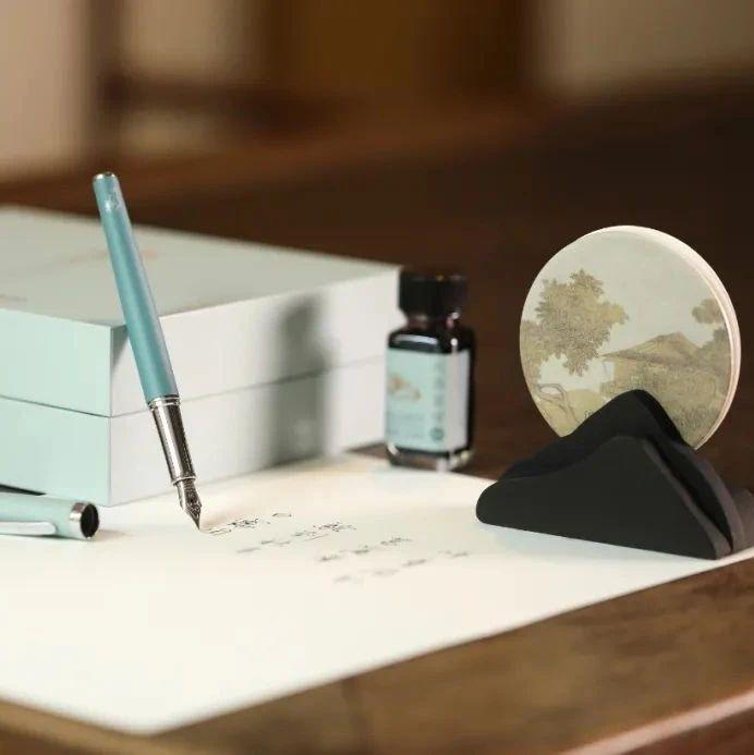 苏州博物馆推出联名款「唐伯虎礼盒」,重现500年前文人的浪漫