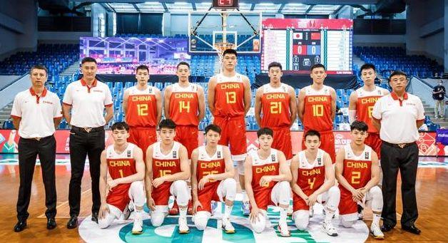 男篮首战告捷,上海官宣教练组,曾凡博向篮协申诉遭拒