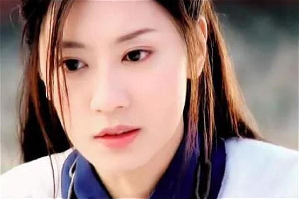 贾静雯的27岁,林心如的27岁,而她才是颜值最美!网友:太迷人了!