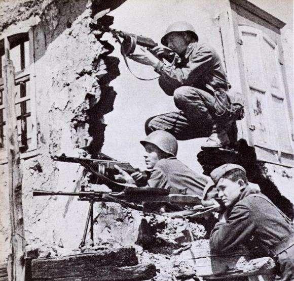 二战德军的第六集团军,精锐中的精锐,为何全部葬送?