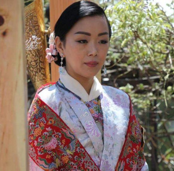 被偏爱的不丹三公主:一年举办2次婚礼,头戴唯一的钻石王冠