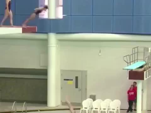 日本美女运动员,失误瞬间被镜头抓拍到,把自己都给逗笑了