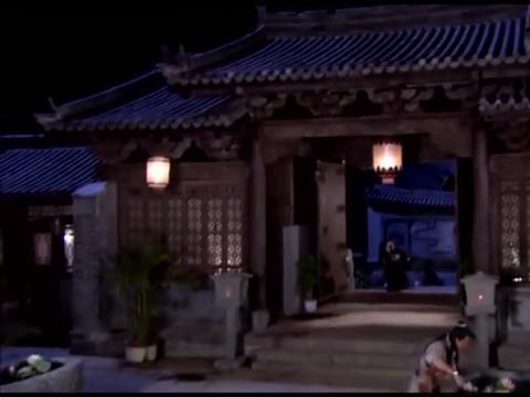 影视:白敬祺翻池子找夜壶,陆三金听说是纯银的,跟着一起找