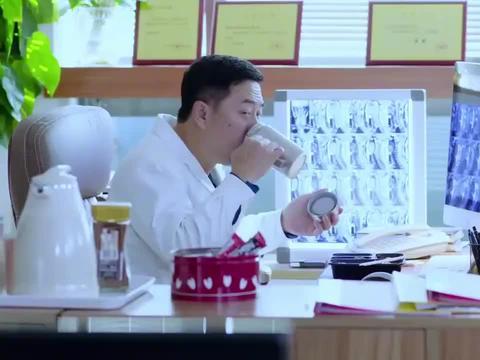 影视:晓琪深藏不露,是哈佛大学博士生,直接空降当主任