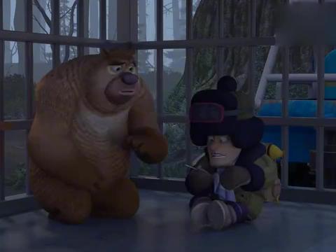 熊出没:箱子里全是奇怪的东西,一个电锯都能变大变小,真神奇