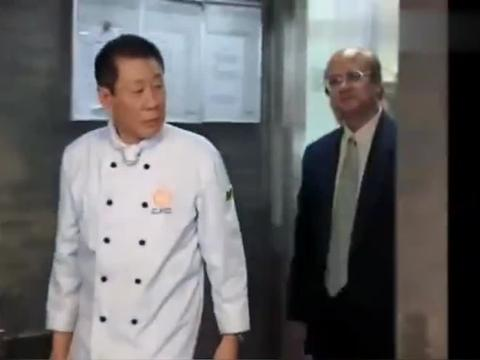 店里烤鸭不合格老板死活不改,怎料大厨一句话,老板秒怂