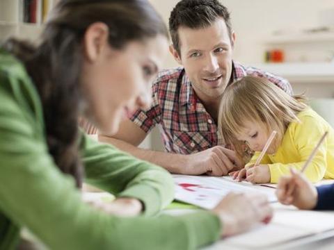 父母的过度担心,竟然会伤害孩子?父母需要注意并进行改变