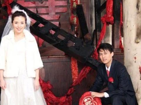她是赵薇同学,却因拍吻戏遭老公离婚,后嫁给靳东被宠成公主