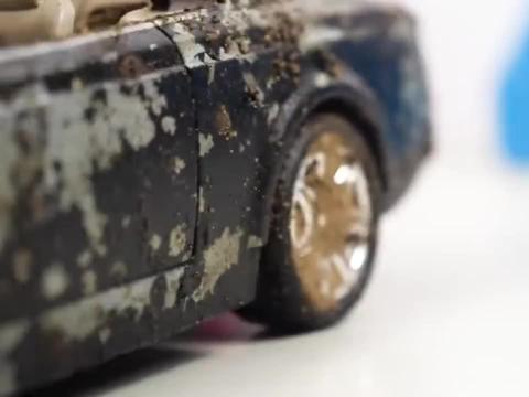 修复损坏的劳斯莱斯豪华轿车,小伙给翻新了,翻新后怎么样呢?