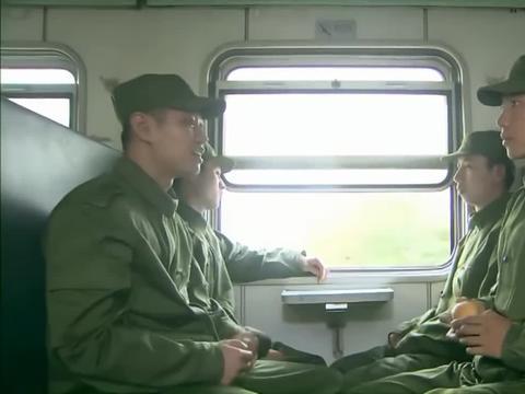 庄焱一个戏剧学院的大学生,居然跑来当兵,这让战友们很是不解!