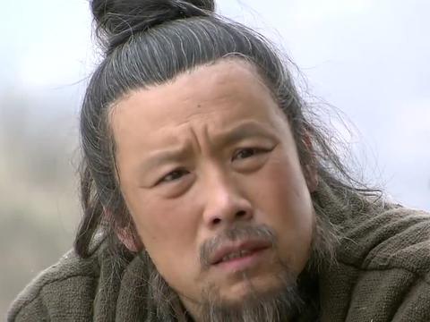 农村老妇就不是吃苦的命,好不容易在村里过活,谁知儿子却是皇帝
