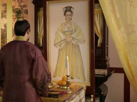侍卫报告有人找到了皇子奶妈,皇上知道皇子行踪泄露了