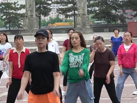 C0005原创:晨练中的绥德女子们亮丽夺目(续)张海喜摄
