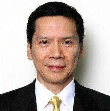 香港演艺大佬向华强有两位老婆及3个子女