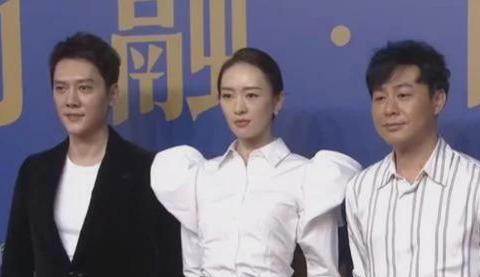 冯绍峰离婚后首次露面,苍老憔悴眼神呆滞,赵丽颖容光焕发如仙女