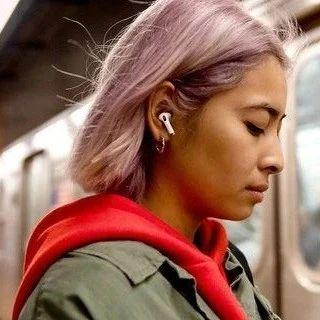 苹果暗示新Airpods将增加运动健康追踪功能