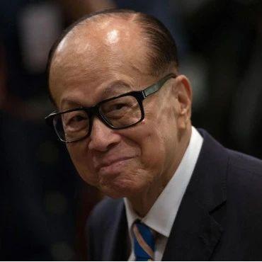 """从超人到公敌:李嘉诚在香港,是怎么变""""臭""""的?"""