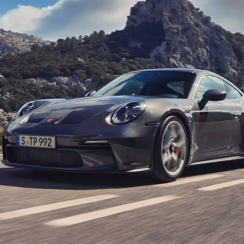潮流   Porsche 发布全新 2022 年式样 911 GT3 Touring