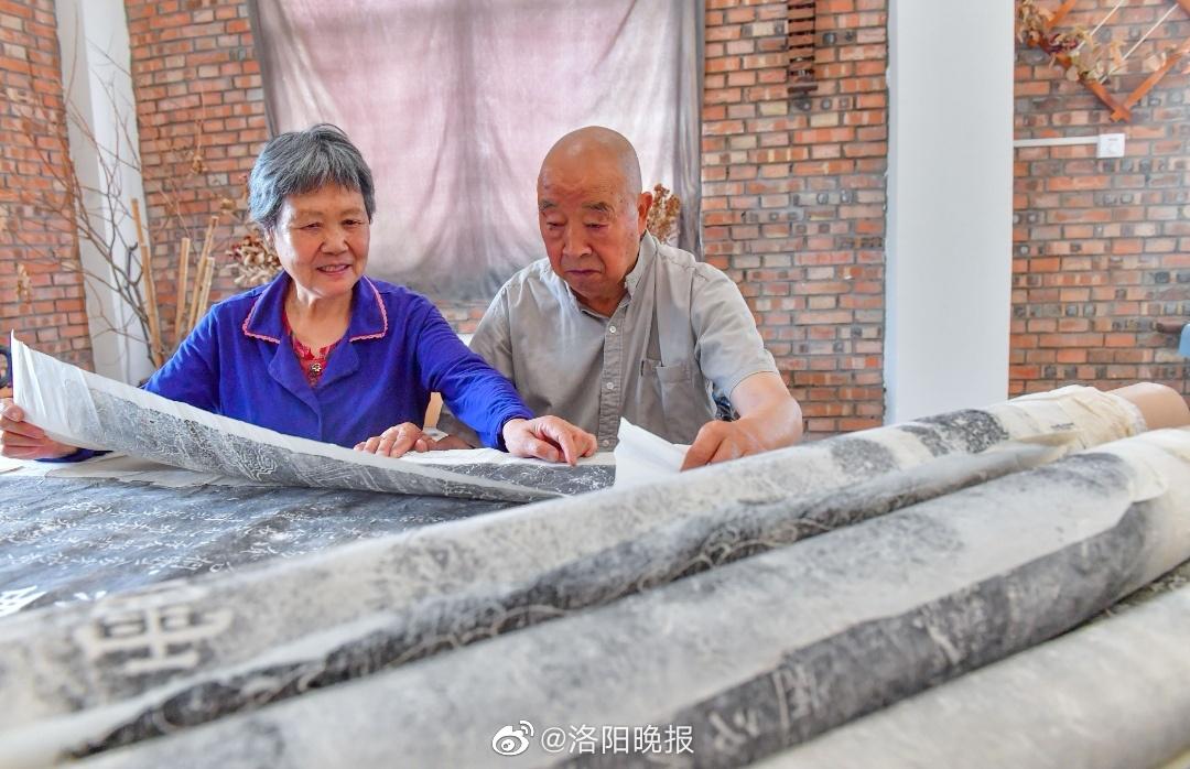 """84岁老人手写100余万字笔记,堪称""""孟津的百科全书"""""""