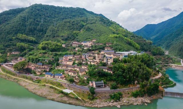 浙南藏着一座山中小城,自然景观丰富,还有千年古寨和红色古镇