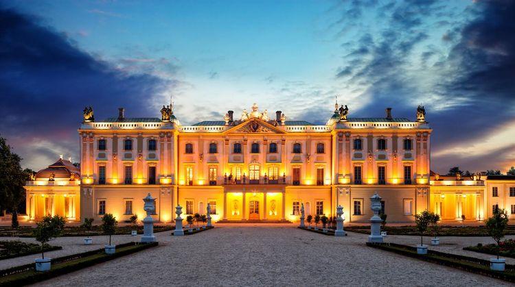 法国的凡尔赛宫:它是人类艺术宝库中一颗光耀的明珠,值得向往