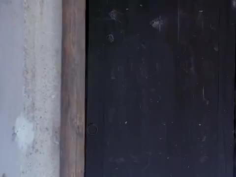 碧血书香梦:孝季身上染血从黑头柳家中出来,吴时获得两把钥匙