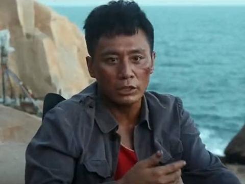 刘烨晒脱皮,张一山上演海中求生,《守岛人》真实到令人心疼