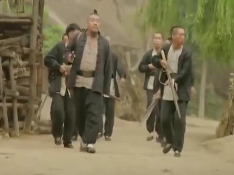 大刀记:这群二狗子受埋伏了,去村里抓人,直接被打的落花流水!