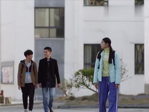 搭错车:关晓彤考试做弊被抓,她不给爸爸打电话,却打给一个老板