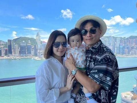 陈山聪带妻儿,与袁伟豪姚子羚喝下午茶,儿子很可爱