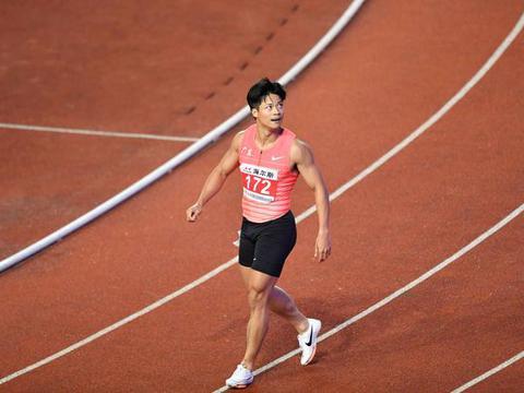 10秒62,1米81奥运亚军百米创超风速世界第二 堪称女版博尔特