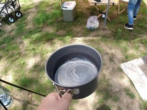 露营煮汤圆是种什么样体验?一锅汤圆都煮烂了,快成芝麻糊了!