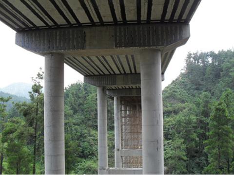 桥梁维修中使用粘接碳纤维的施工技术要点