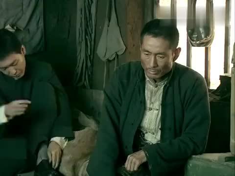 东北抗日联军,鬼子屡屡来犯,战友主张躲藏,气得将军出言怒怼