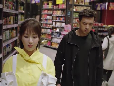 亲爱的:韩商言嘴硬心软,记得佟年爱吃的零食,却不承认喜欢她