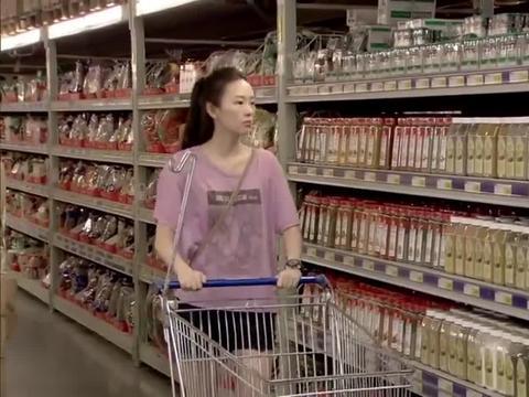 前妻超市偶遇前夫和现任,当面拆穿前夫,前妻走前一句:注意保养