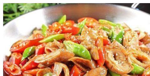 美食推荐:玉米蒸排骨、糖醋鲤鱼、爆炒肥肠、香葱爆腰花