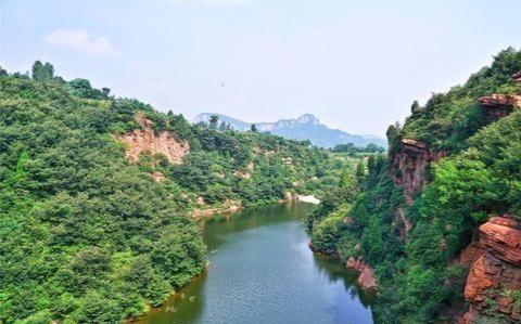 """河南有个冷门峡谷,享有""""河南张家界""""的美誉,却很少有游客"""