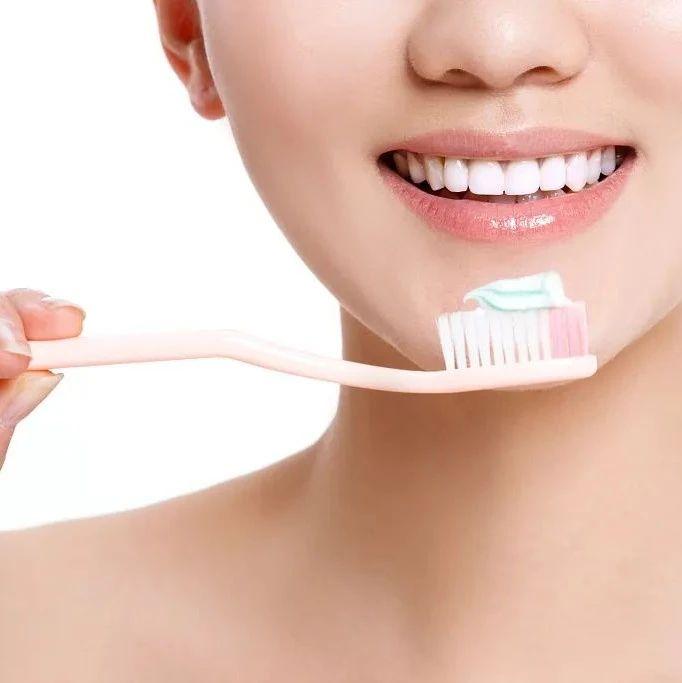 电动牙刷和普通牙刷怎么选?正确的刷牙姿势了解一下→