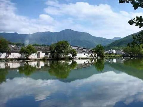 """""""中国画里的乡村"""":看最美徽派民居古村,去宏村就对了"""