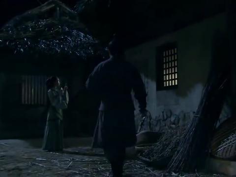 楚汉传奇:刘邦被迫进蜀地,韩信:别人逃跑我偏要追随!