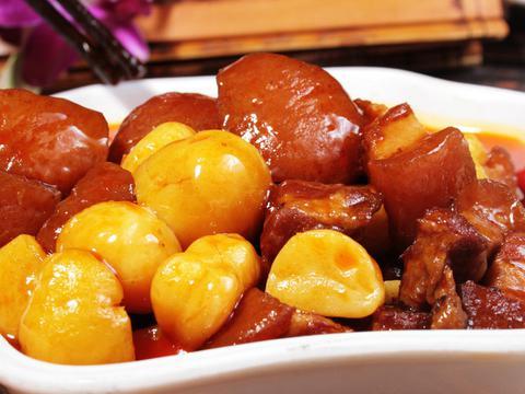 板栗红烧肉怎么做好吃?大厨教你一招!